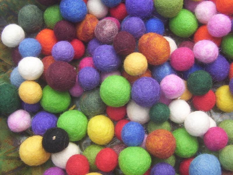 Fuzzy_balls_002